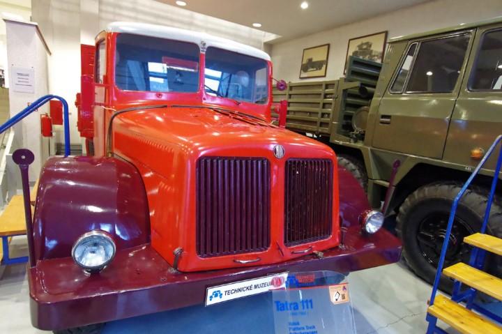 1942-Tatra_111