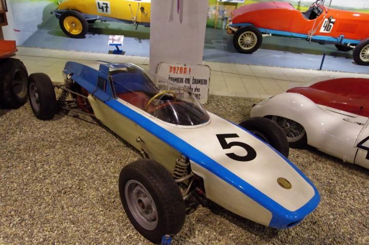 1964-Tatra_Delfin_1100