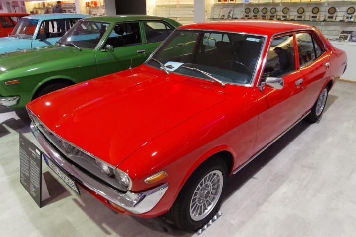 1975_Corona