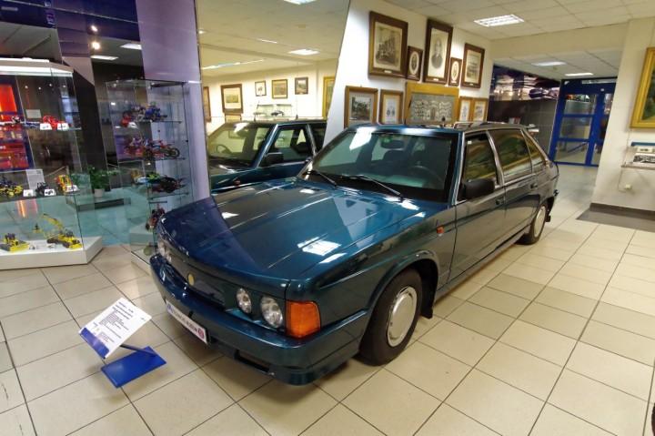 1995-Tatra_T613-4