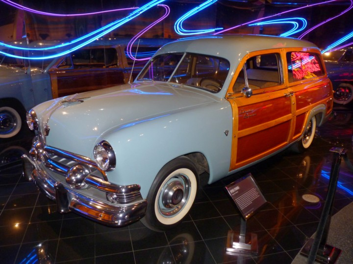 1951_Ford_Country_Squire