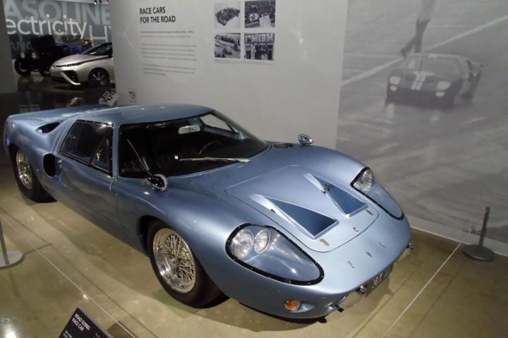 1967_Ford_GT40_Mk3