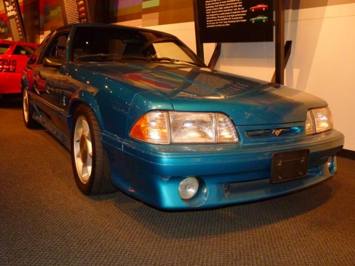1993_Ford_Mustang_SVT