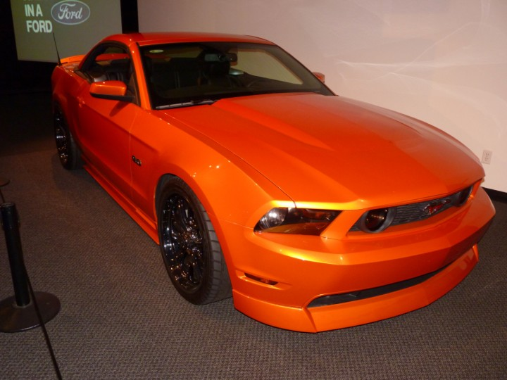 2011_Ford_Mustang