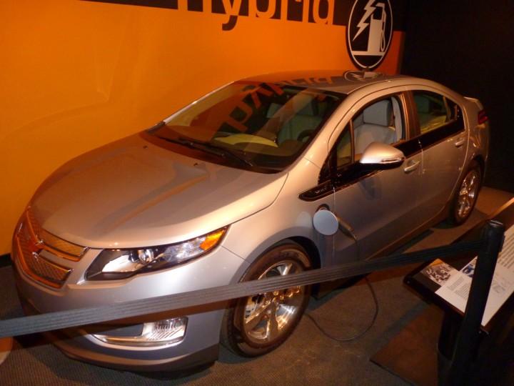 2014-Chevrolet-Volt