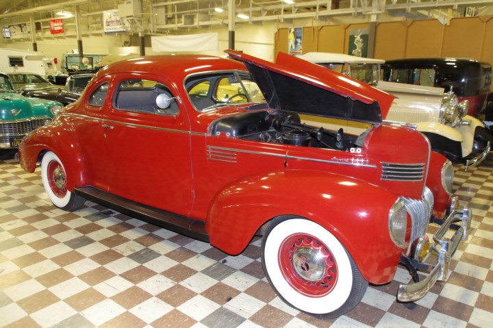 1939_Chrysler_Imperial_Victoria_C23_Coupe_1