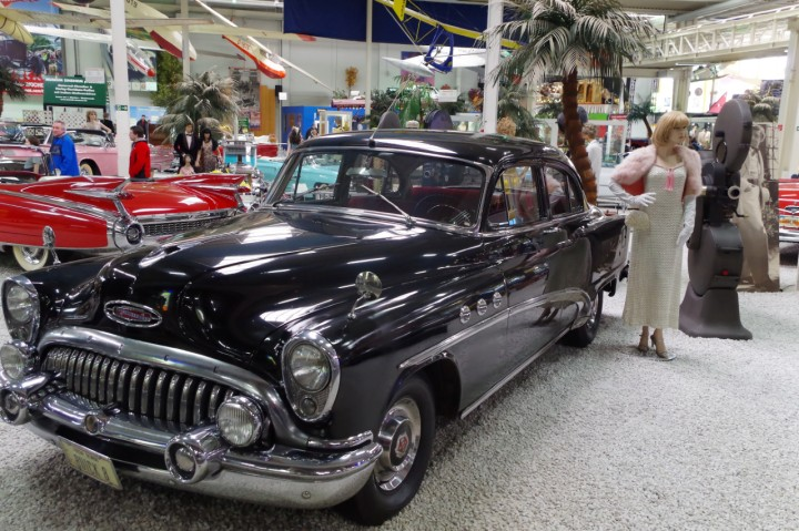 1953-Buick_Straight8