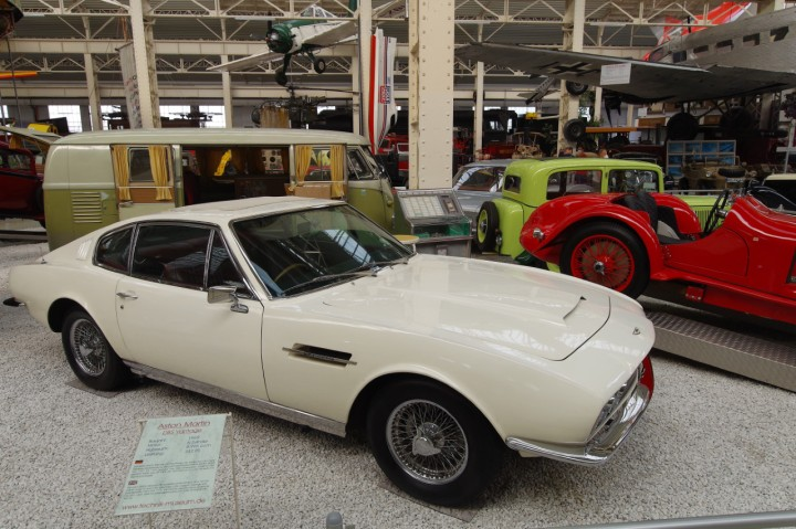 1969-AstonMartin_DBS