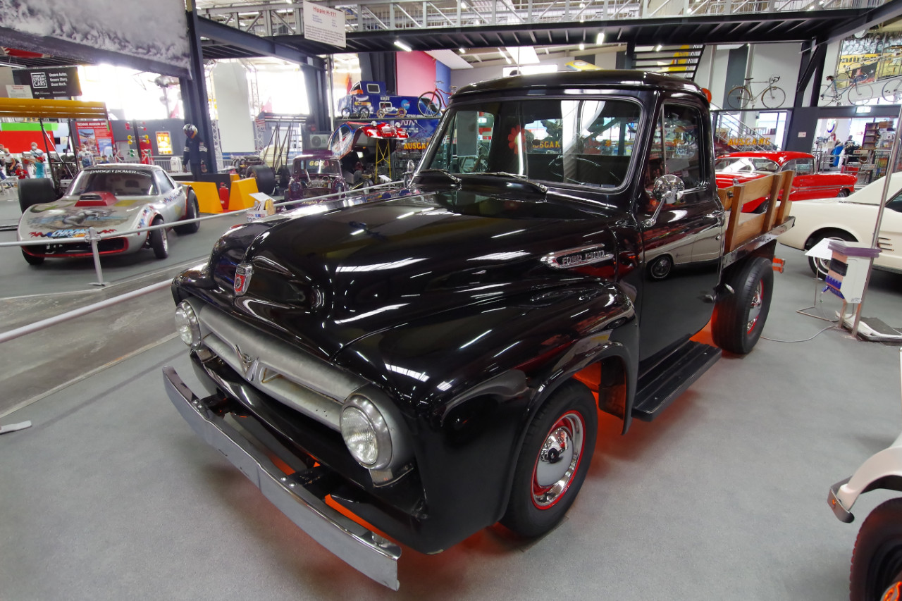 1953-Ford-F100