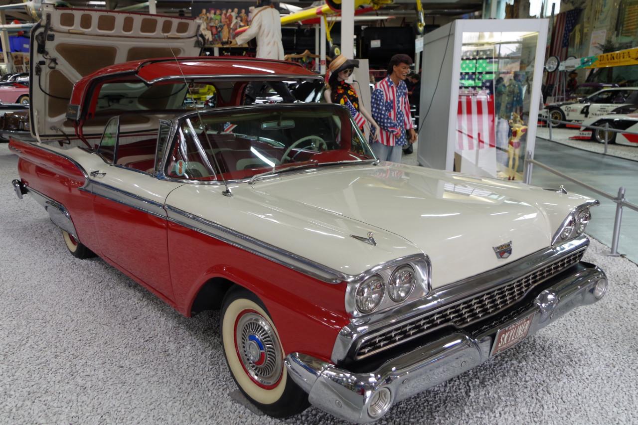 1959-Ford-Skyliner