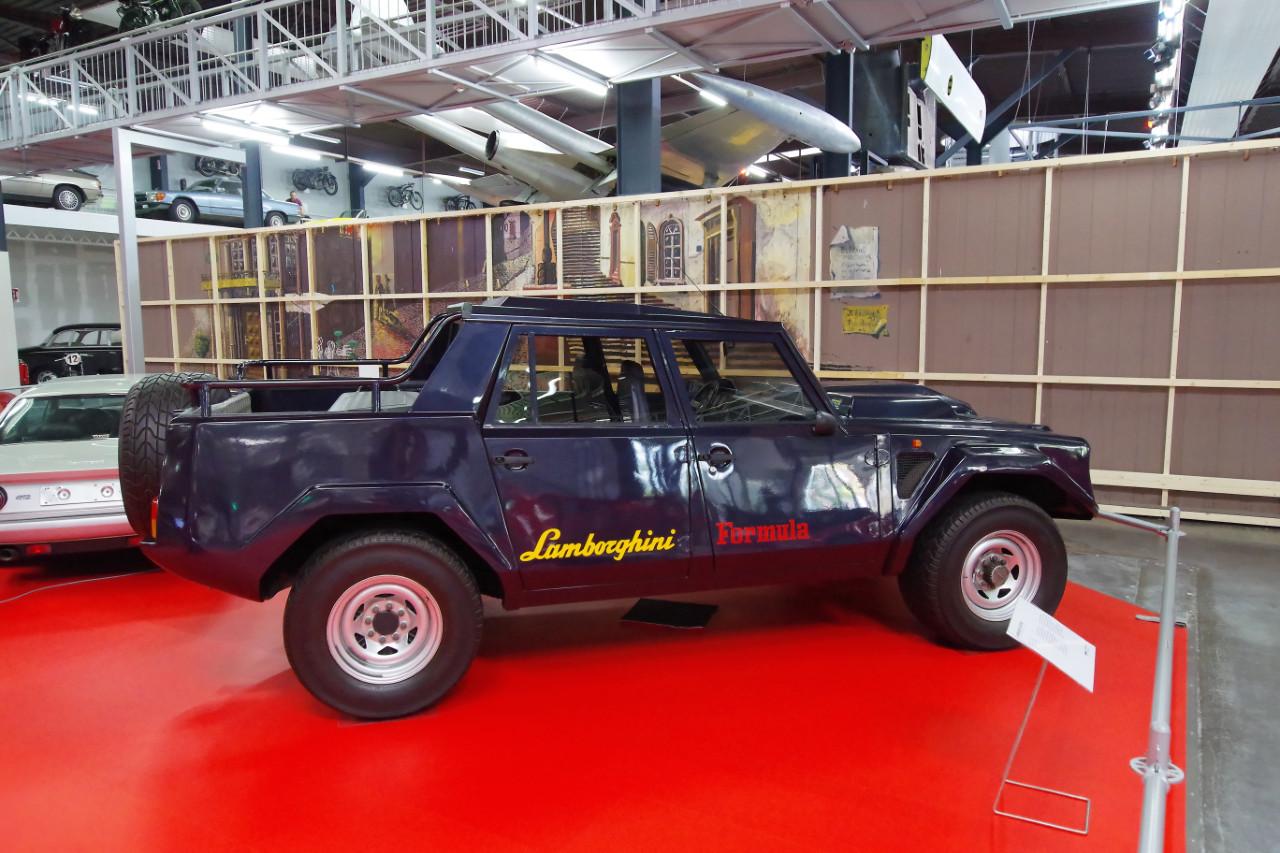 1980-Lamborghini_LM002