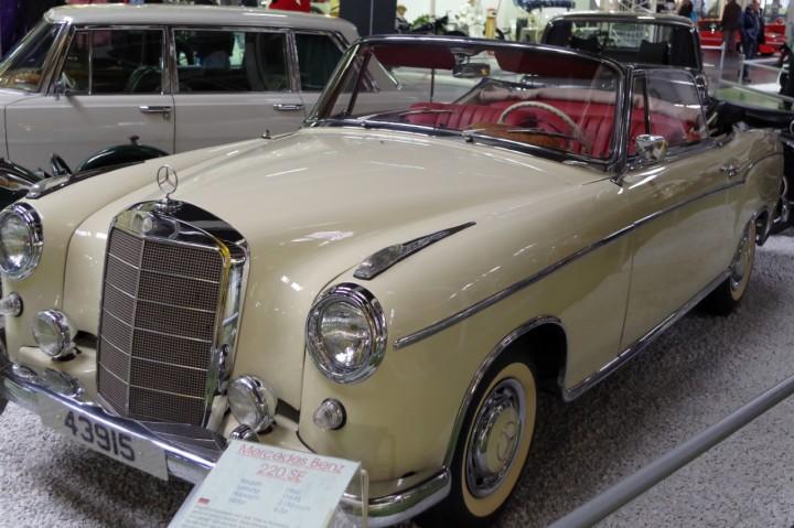 1960-Mercedes-Benz-220SE