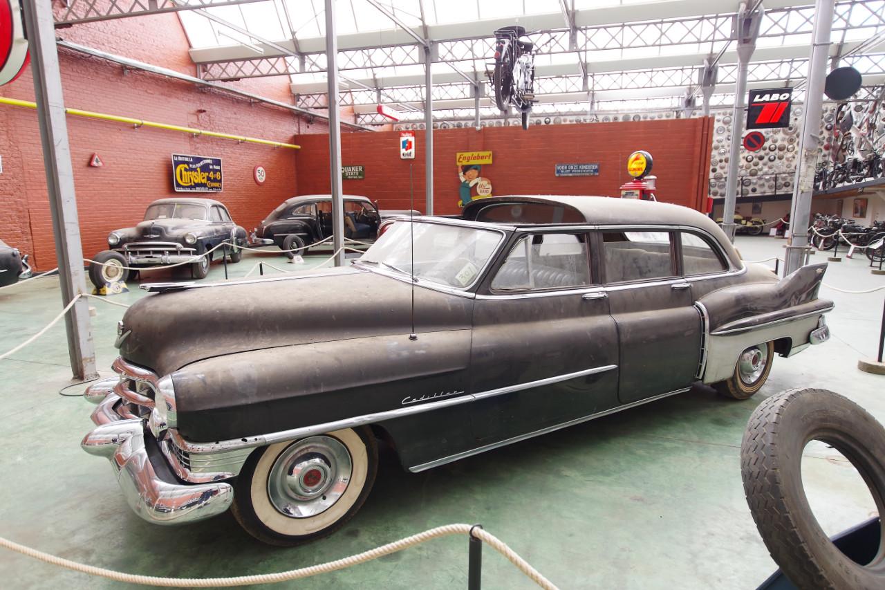 1952-Cadillac_75_Landaulet