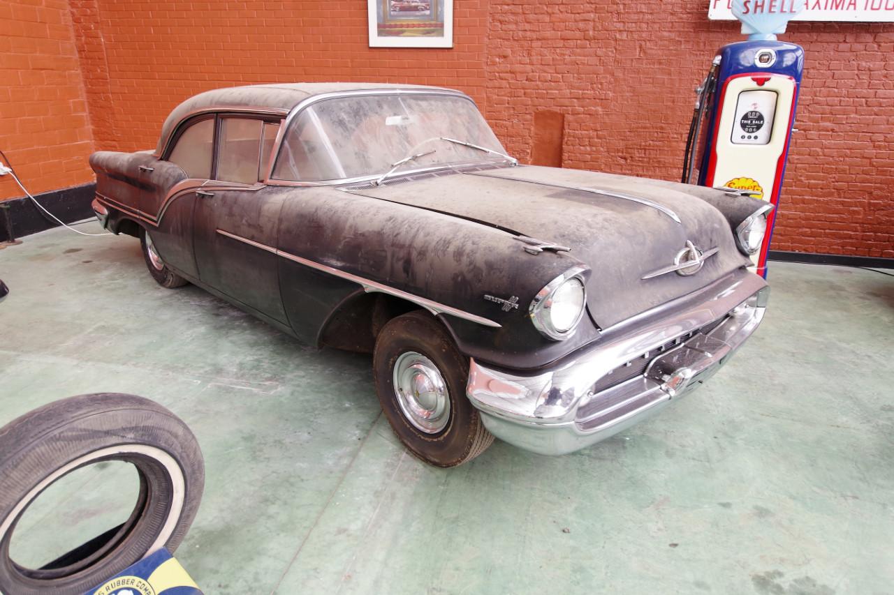 1957-Oldsmobile_Super88