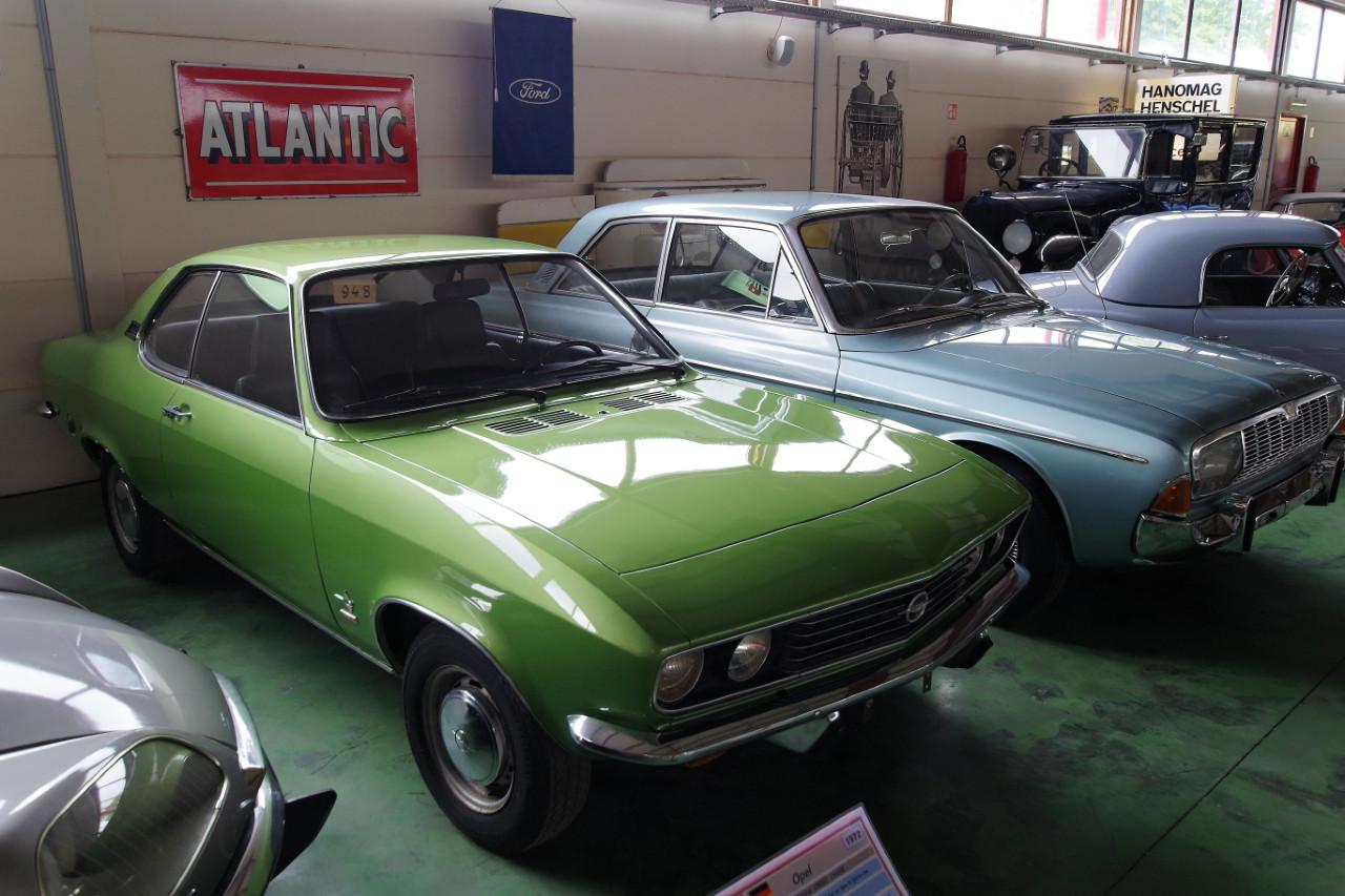 1972-Opel_Manta_1900S