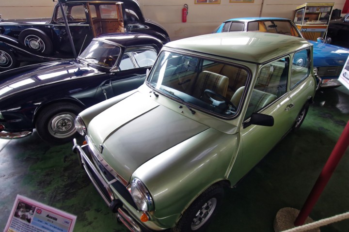 1982-Austin_Mini