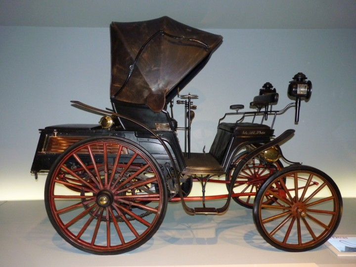 1893-Benz-Victoria