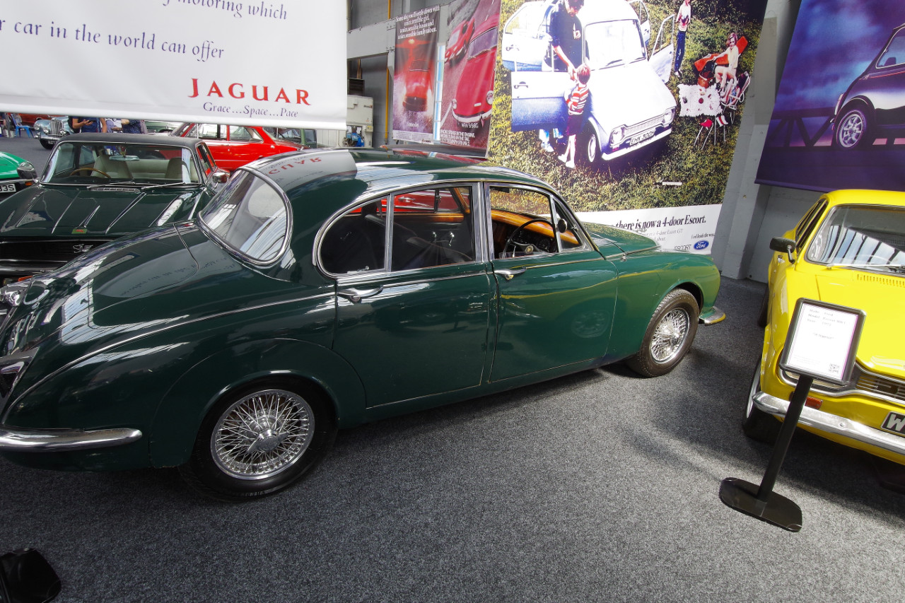 1967-Jaguar-Mk2